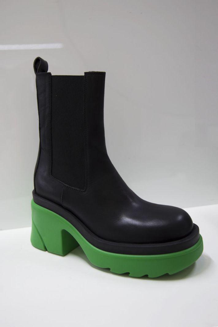 Ilgi auliniai batai su žaliu padu