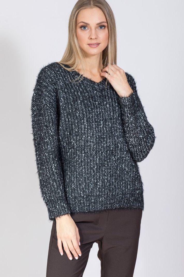 Megztinis su sidabro siūlais
