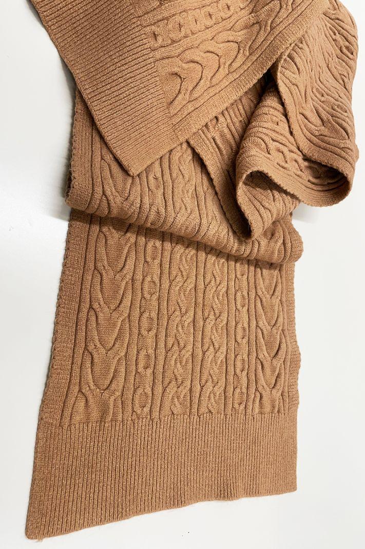 Pynių rašto camel spalvos šalikas
