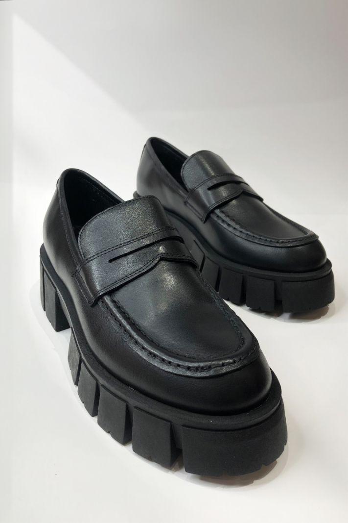 Juodos spalvos odiniai loaferiai