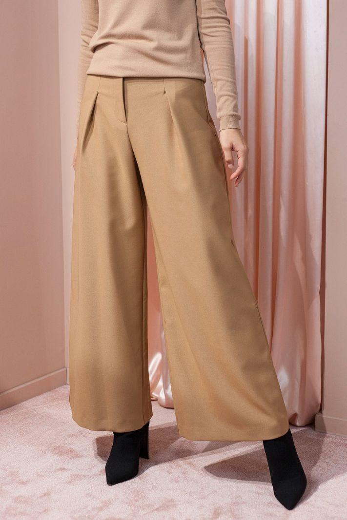 Plačios camel spalvos kelnės