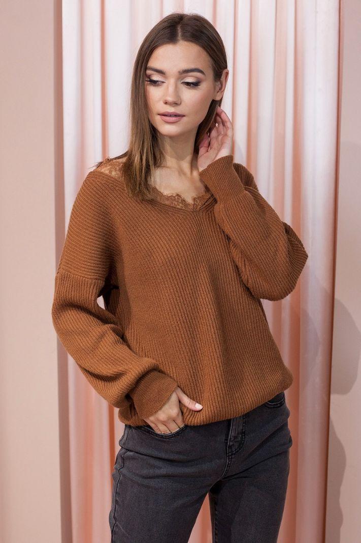 Rudas megztinis su nėriniais