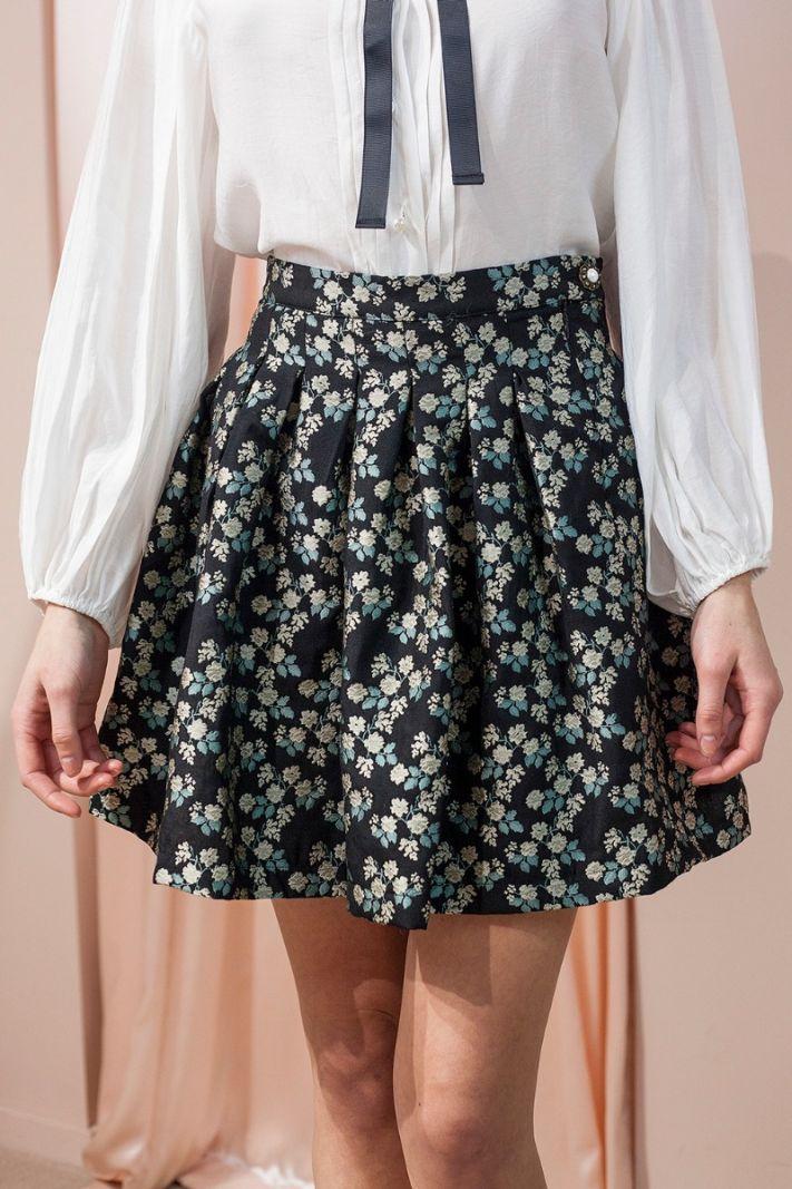 Žakardinis mini ilgio sijonas