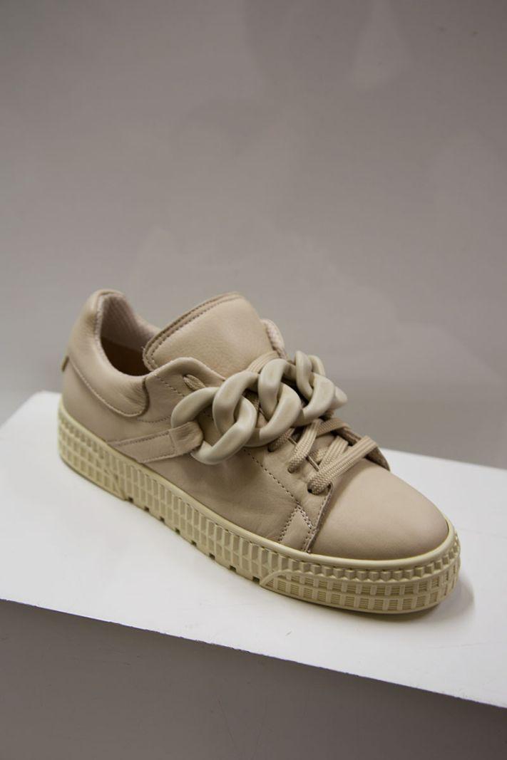Laisvalaikio batai su masyvia grandine